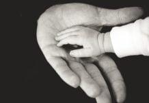 hands 918774 1280